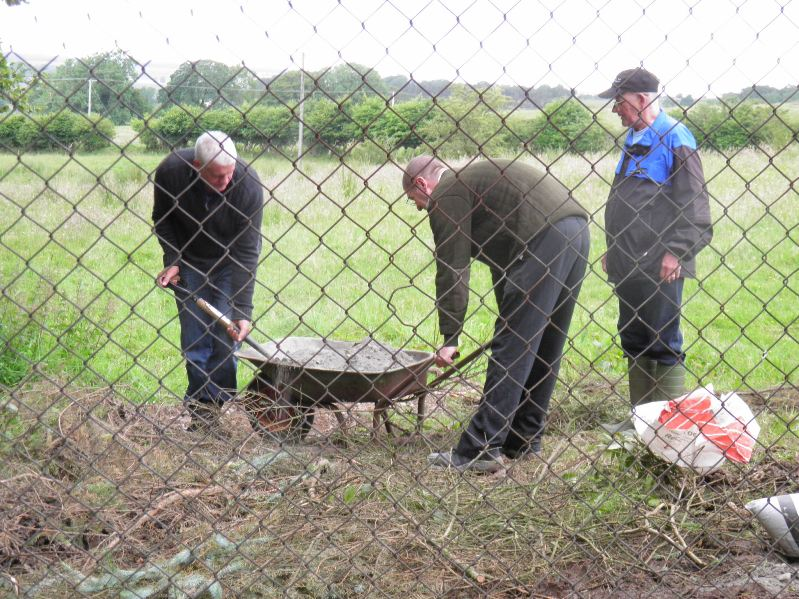 Tommy - Graeme & Alec sorting out the fence posts.